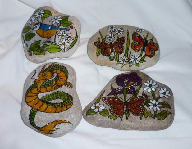 a_Hand_Painted_Pebbles.JPG